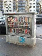 Bücherschrank am Feldbergplatz